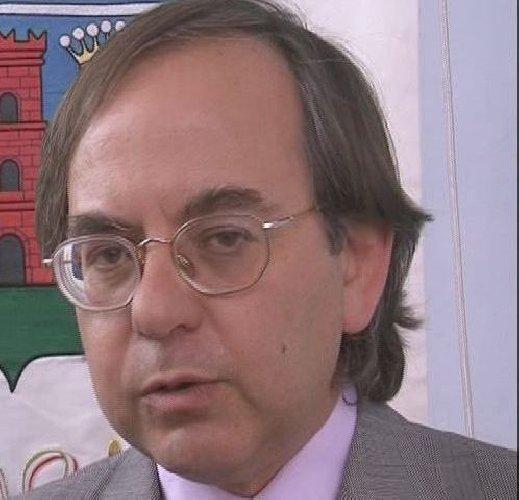 https://www.ragusanews.com//immagini_articoli/18-04-2018/chiaramonte-habemus-segretario-comunale-500.jpg