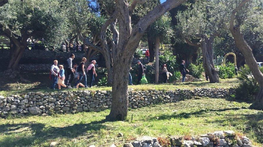 https://www.ragusanews.com//immagini_articoli/18-04-2019/1555599936-pasqua-e-pasquetta-che-spettacolo-i-siti-parco-di-naxos-taormina-3-500.jpg