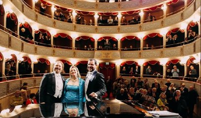 https://www.ragusanews.com//immagini_articoli/18-04-2019/il-macbeth-in-teatro-a-modica-240.jpg
