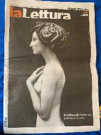 https://www.ragusanews.com//immagini_articoli/18-04-2021/la-medusa-di-scianna-in-copertina-su-la-lettura-del-corriere-280.jpg
