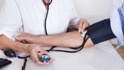 http://www.ragusanews.com//immagini_articoli/18-05-2018/pressione-arteriosa-modica-prevenzione-240.jpg