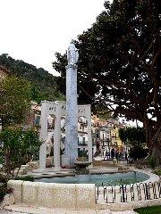 https://www.ragusanews.com//immagini_articoli/18-05-2019/restaurata-la-statua-madonnina-di-piazza-rizzone-240.jpg