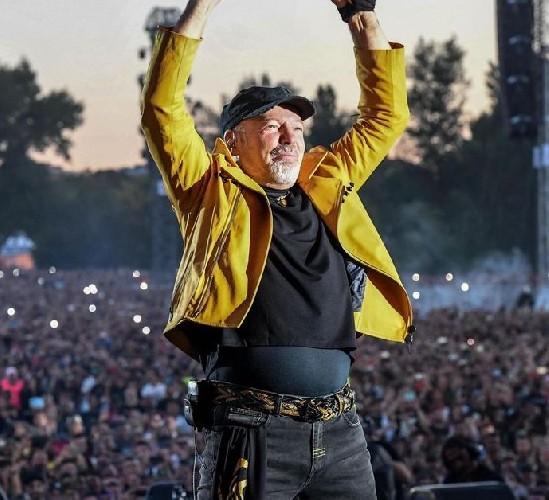 https://www.ragusanews.com//immagini_articoli/18-05-2020/italia-tutti-i-concerti-delle-star-rinviate-di-un-anno-500.jpg