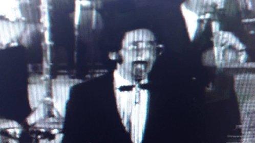 https://www.ragusanews.com//immagini_articoli/18-05-2021/battiato-a-24-anni-e-il-1969-video-280.jpg