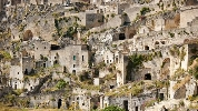 https://www.ragusanews.com//immagini_articoli/18-06-2015/matera-e-chiafura-enciclopedia-stratificata-di-civilta-100.jpg