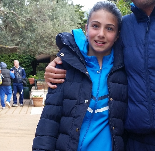 http://www.ragusanews.com//immagini_articoli/18-06-2015/tennis-bene-noemi-la-cagnina-500.jpg