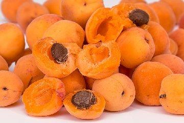 https://www.ragusanews.com//immagini_articoli/18-06-2019/dieta-frutta-quale-scegliere-per-dimagrire-240.jpg