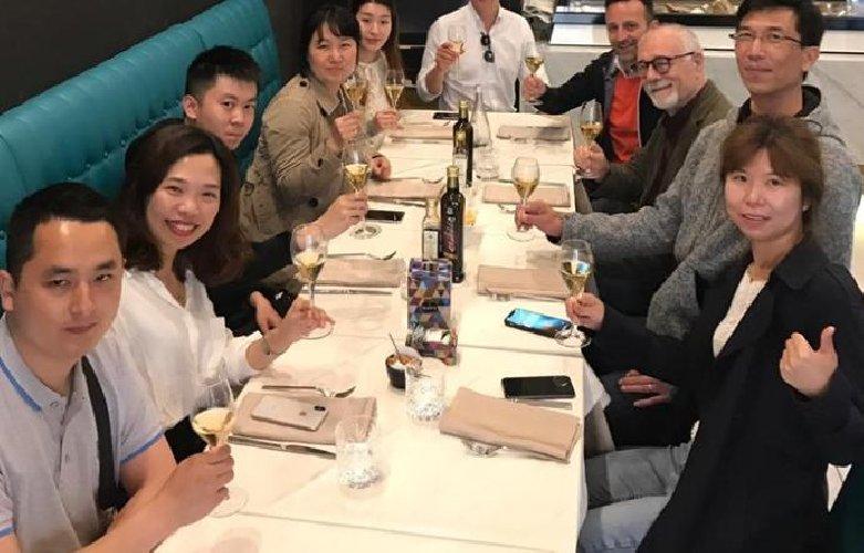 https://www.ragusanews.com//immagini_articoli/18-06-2019/se-i-cinesi-fanno-i-reality-di-cucina-a-taormina-500.jpg