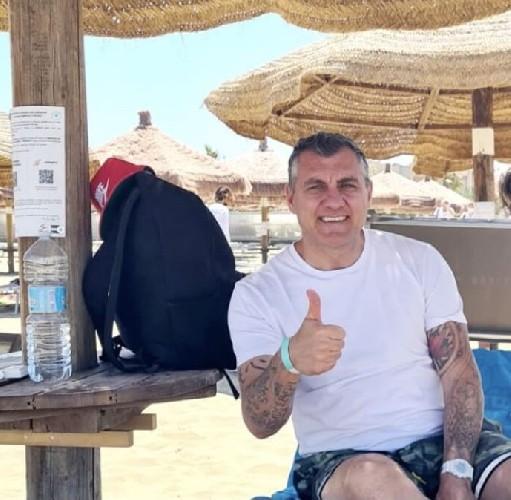 https://www.ragusanews.com//immagini_articoli/18-06-2021/bobo-vieri-in-vacanza-a-san-lorenzo-di-noto-500.jpg