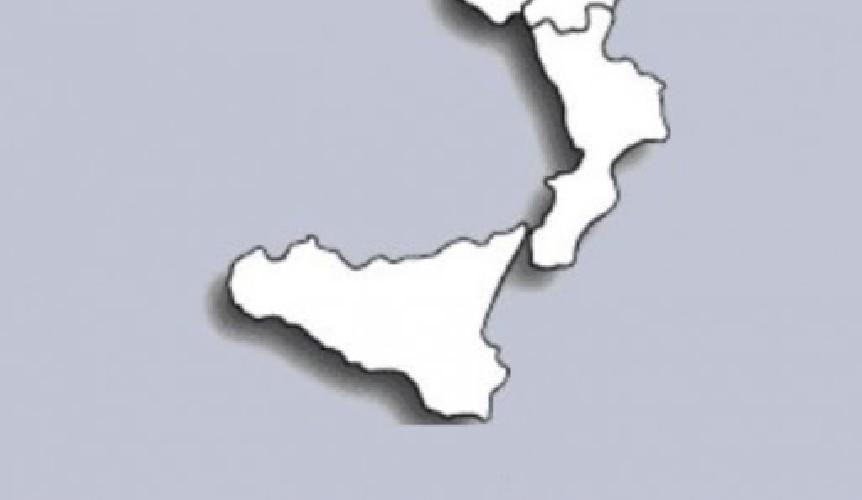 https://www.ragusanews.com//immagini_articoli/18-06-2021/sicilia-zona-bianca-da-lunedi-21-giugno-e-ufficiale-500.jpg