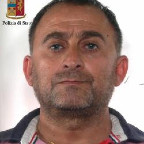 http://www.ragusanews.com//immagini_articoli/18-07-2015/droga-arrestato-vito-lo-magno-500.jpg