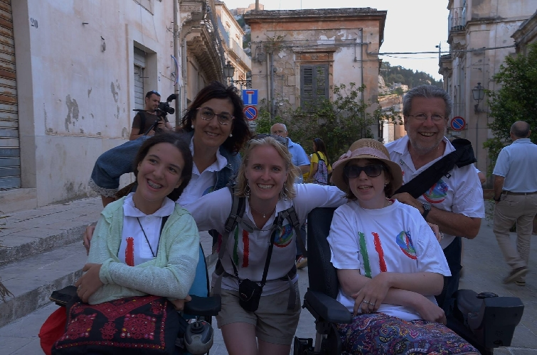 http://www.ragusanews.com//immagini_articoli/18-07-2016/campo-italia-disabili-ospite-di-lions-di-scicli-500.jpg