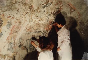 http://www.ragusanews.com//immagini_articoli/18-07-2017/scoperta-chiesa-rupestre-compie-anni-240.jpg