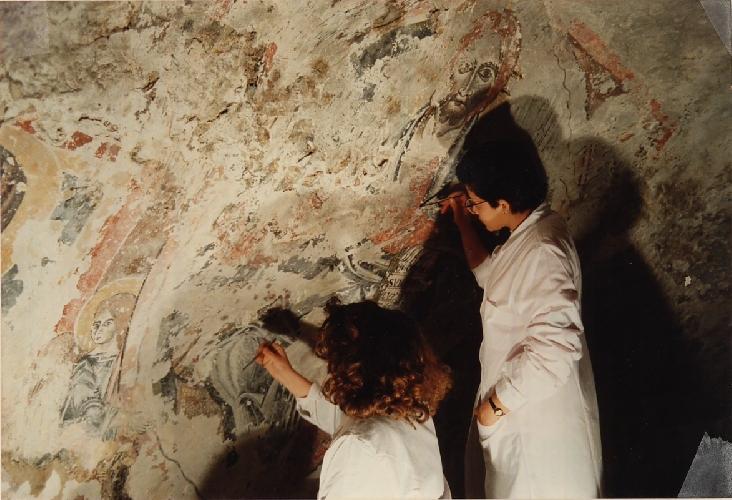 http://www.ragusanews.com//immagini_articoli/18-07-2017/scoperta-chiesa-rupestre-compie-anni-500.jpg