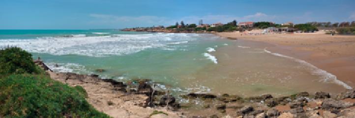 https://www.ragusanews.com//immagini_articoli/18-07-2018/sicilia-orientale-spiagge-belle-italia-240.png