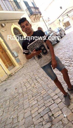 https://www.ragusanews.com//immagini_articoli/18-07-2019/1563406930-rito-musulmano-in-tunisia-per-said-1-500.jpg