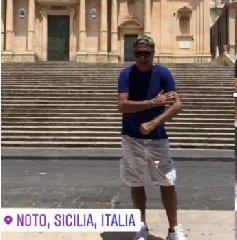 https://www.ragusanews.com//immagini_articoli/18-07-2019/giorgio-panariello-a-noto-240.jpg