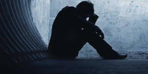 https://www.ragusanews.com//immagini_articoli/18-07-2019/suicida-un-imprenditore-a-vittoria-240.jpg