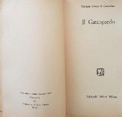 https://www.ragusanews.com//immagini_articoli/18-08-2018/1534584693-libri-gettati-strada-gattopardo-vale-mille-euro-2-240.jpg