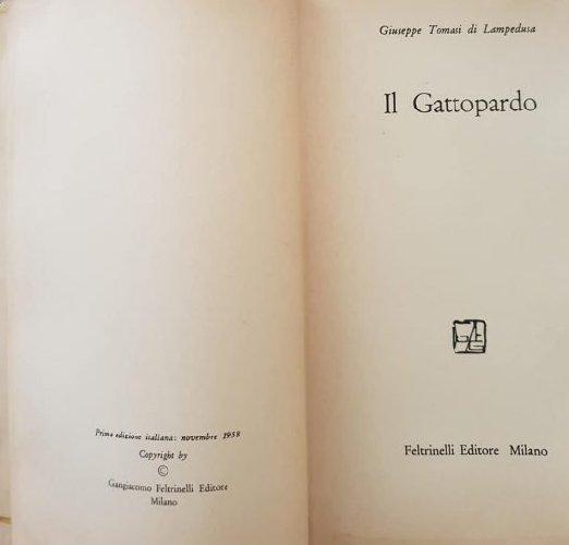 https://www.ragusanews.com//immagini_articoli/18-08-2018/1534584693-libri-gettati-strada-gattopardo-vale-mille-euro-2-500.jpg