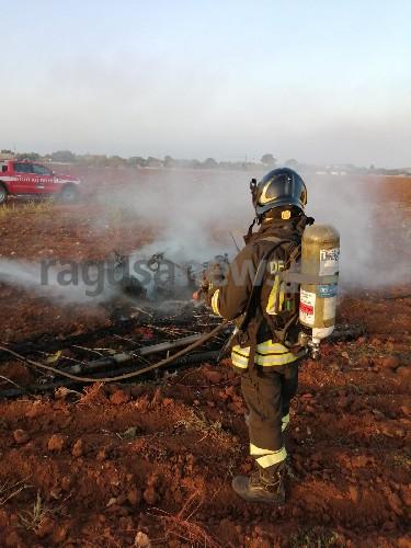 https://www.ragusanews.com//immagini_articoli/18-08-2020/1597764733-cade-aereo-ultraleggero-all-oasi-dei-re-un-morto-carbonizzato-1-500.jpg