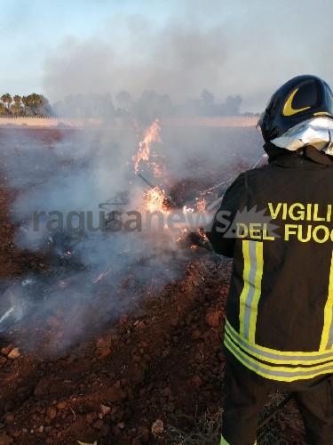 https://www.ragusanews.com//immagini_articoli/18-08-2020/cade-aereo-ultraleggero-all-oasi-dei-re-un-morto-carbonizzato-500.jpg