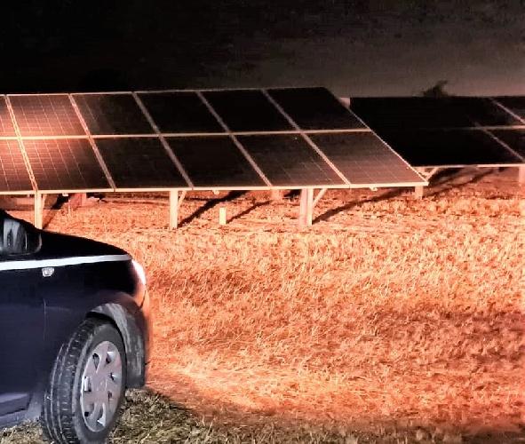 https://www.ragusanews.com//immagini_articoli/18-08-2021/tentato-furto-di-cavi-in-un-campo-fotovoltatico-500.jpg