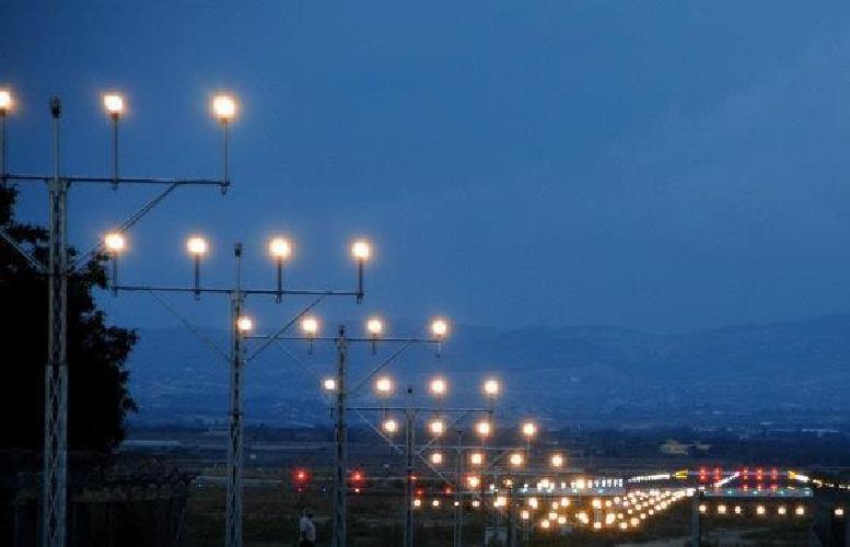 https://www.ragusanews.com//immagini_articoli/18-09-2013/aeroporto-di-comiso-audizione-corte-dei-conti-ue-sui-ritardi-500.jpg