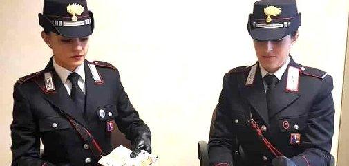 https://www.ragusanews.com//immagini_articoli/18-09-2019/droga-arrestato-giovanni-stefano-tummino-32-anni-240.jpg