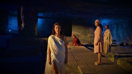 https://www.ragusanews.com//immagini_articoli/18-09-2019/ragusa-inferno-cave-gonfalone-240.jpg