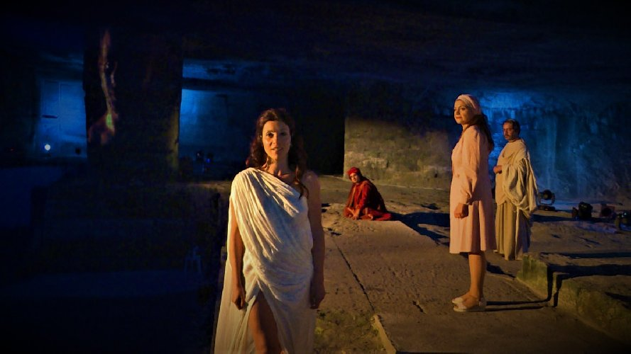 https://www.ragusanews.com//immagini_articoli/18-09-2019/ragusa-inferno-cave-gonfalone-500.jpg