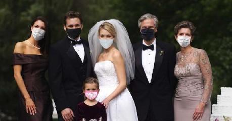 https://www.ragusanews.com//immagini_articoli/18-09-2020/ragusa-matrimonio-con-un-positivo-240.jpg
