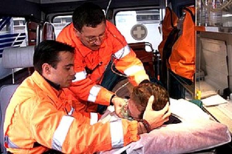 http://www.ragusanews.com//immagini_articoli/18-10-2014/sette-feriti-in-un-incidente-a-bruca-500.jpg