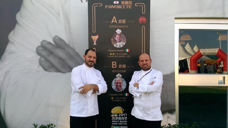 http://www.ragusanews.com//immagini_articoli/18-10-2017/chef-vincenzo-candiano-west-bund-food-festival-2017-shangai-500.jpg