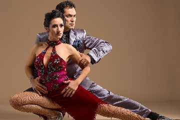 http://www.ragusanews.com//immagini_articoli/18-10-2017/tango-argentino-ragusa-240.jpg