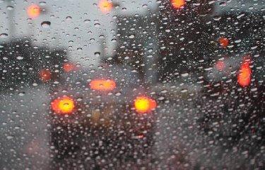 https://www.ragusanews.com//immagini_articoli/18-10-2018/meteo-venerdi-sicilia-orientale-morsa-temporali-240.jpg