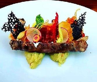 https://www.ragusanews.com//immagini_articoli/18-10-2020/1602972292-giuseppe-petrolo-lo-chef-che-ha-lasciato-montecarlo-per-modica-3-280.jpg