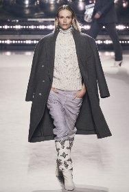 https://www.ragusanews.com//immagini_articoli/18-10-2020/1603005887-cappotti-autunno-inverno-2020-2021-i-modelli-di-tendenza-5-280.jpg