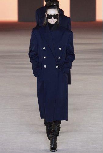 https://www.ragusanews.com//immagini_articoli/18-10-2020/1603006914-cappotti-autunno-inverno-2020-2021-i-modelli-di-tendenza-9-500.jpg