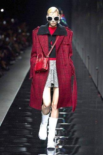 https://www.ragusanews.com//immagini_articoli/18-10-2020/cappotti-autunno-inverno-2020-2021-i-modelli-di-tendenza-500.jpg