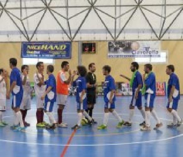 http://www.ragusanews.com//immagini_articoli/18-11-2014/scicli-calcio-a-5-vittoria-in-trasferta-a-lentini-500.jpg
