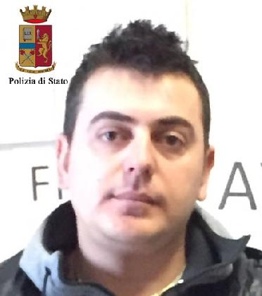 http://www.ragusanews.com//immagini_articoli/18-11-2016/operazione-antidroga-a-modica-catturato-latitante-a-roma-420.jpg