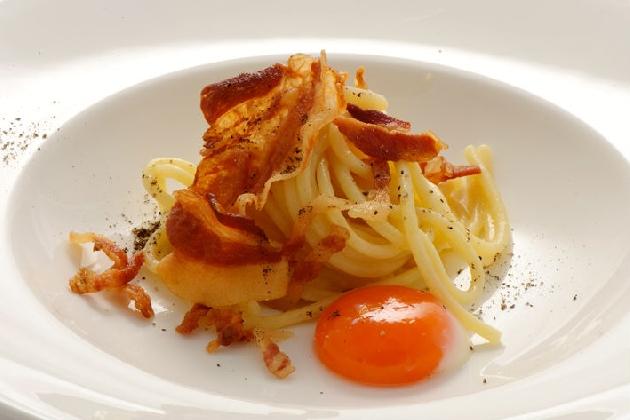 http://www.ragusanews.com//immagini_articoli/18-11-2016/the-house-of-pairings-l-arte-di-abbinare-vino-e-cibo-420.jpg