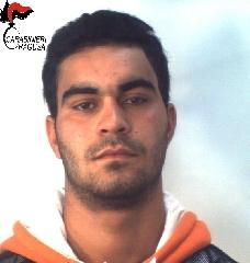 https://www.ragusanews.com//immagini_articoli/18-11-2017/spaccio-arrestato-tunisino-santa-croce-240.jpg