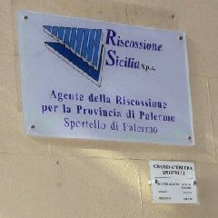 https://www.ragusanews.com//immagini_articoli/18-11-2018/riscossione-sicilia-notifica-nulla-giunta-poste-private-240.jpg