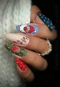 https://www.ragusanews.com//immagini_articoli/18-11-2020/1605732395-unghie-natalizie-2020-i-colori-e-le-decorazioni-per-avere-mani-perfette-4-280.jpg
