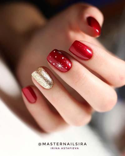 https://www.ragusanews.com//immagini_articoli/18-11-2020/1605732395-unghie-natalizie-2020-i-colori-e-le-decorazioni-per-avere-mani-perfette-5-500.jpg