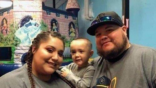 https://www.ragusanews.com//immagini_articoli/18-11-2020/covid-bimbo-di-4-anni-perde-entrambi-i-genitori-280.jpg