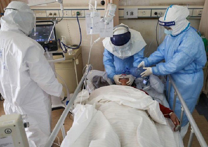 https://www.ragusanews.com//immagini_articoli/18-11-2020/covid-in-italia-fa-piu-morti-4-ogni-100-casi-ed-e-un-mistero-500.jpg