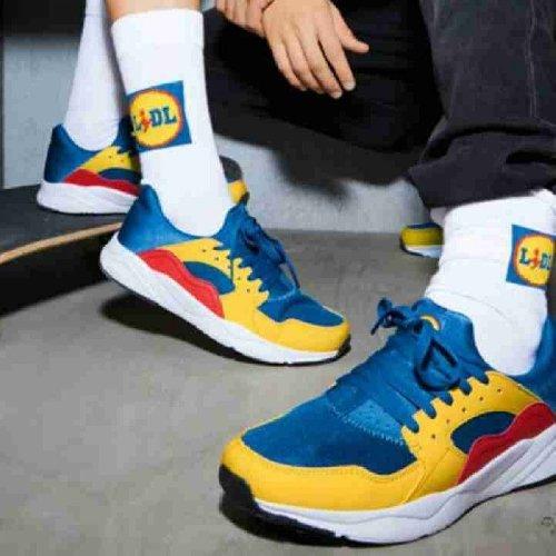 https://www.ragusanews.com//immagini_articoli/18-11-2020/tutti-pazzi-per-le-sneakers-lidl-multicolore-ed-economiche-500.jpg